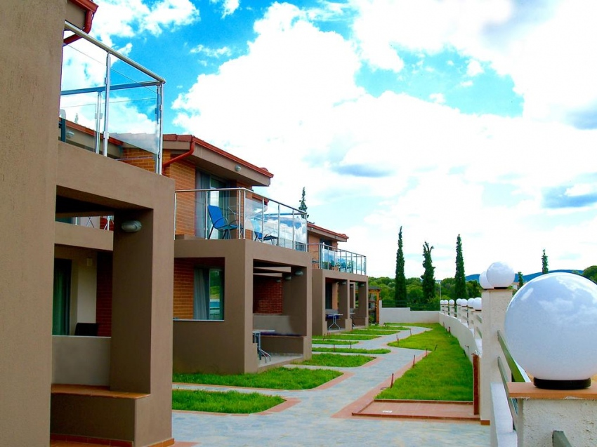 VILLAGE MARE RESIDENCE 2*