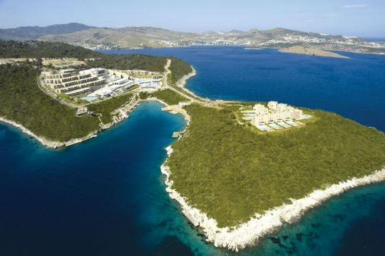 Хотел HILTON BODRUM TURKBUKU RESORT & SPA 5*